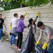 Helft jongeren doet vrijwilligerswerk